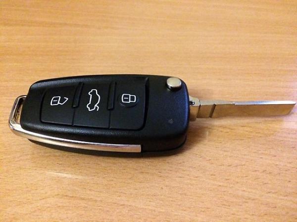 Логотип компании GoldenKey22 Авто ключи